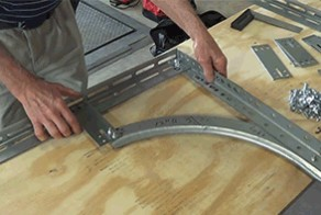 An image of a standard horizontal track angle.