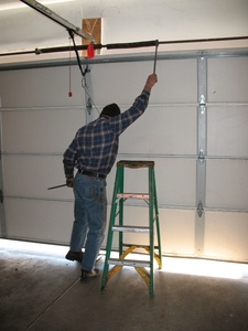 How to Weigh a Garage Door